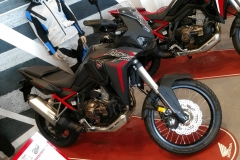 Honda África Twin CRF 1100L Color Negro Ballistic Metálico en Servihonda