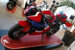 Honda-CBR-1000RR-Fireblade-01
