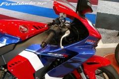 Honda-CBR-1000RR-Fireblade-02