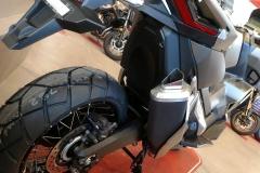 Honda X-ADV Color Plata Mate Metalizado Moonstone en Servihonda.