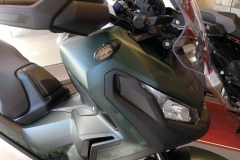 Honda X-ADV Color Verde Mate Metálico Armoured