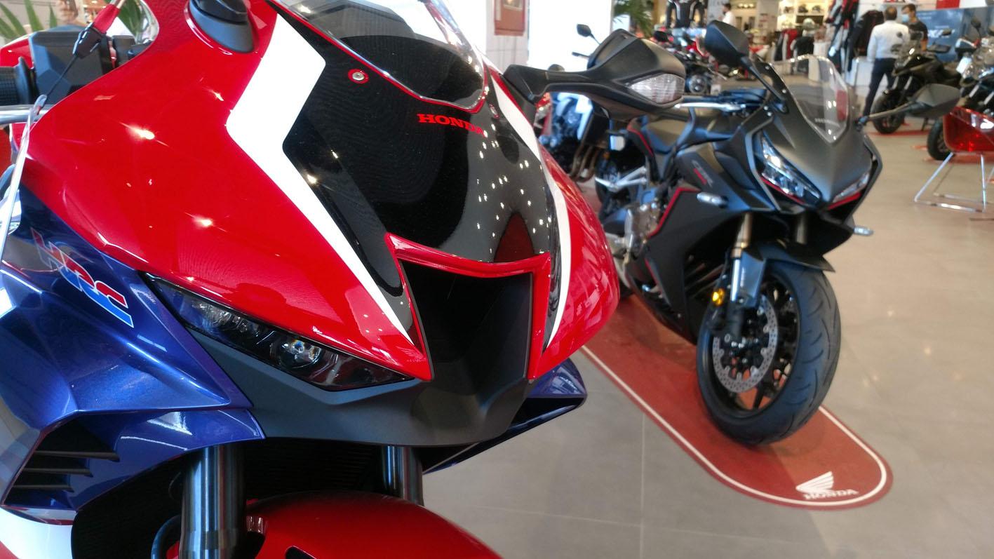 Honda CBR 1000RR R y Honda CBR 650R en Servihonda