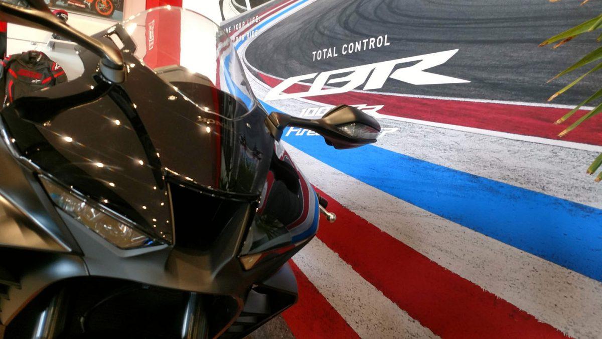 Honda CBR1000 RR-R Fireblade en Servihonda.