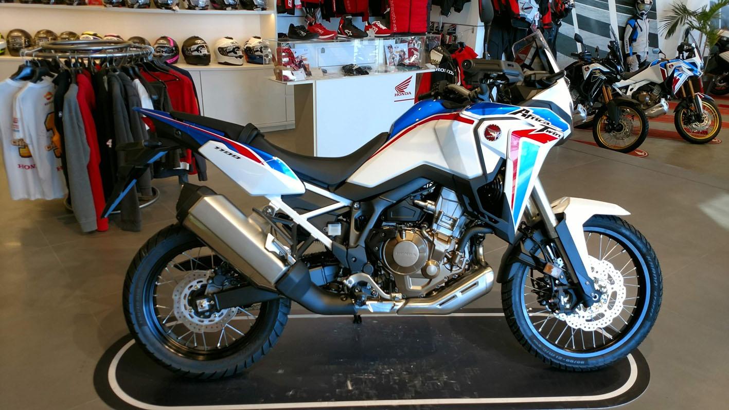 Honda África Twin CRF1100L Color Blanco Tricolor
